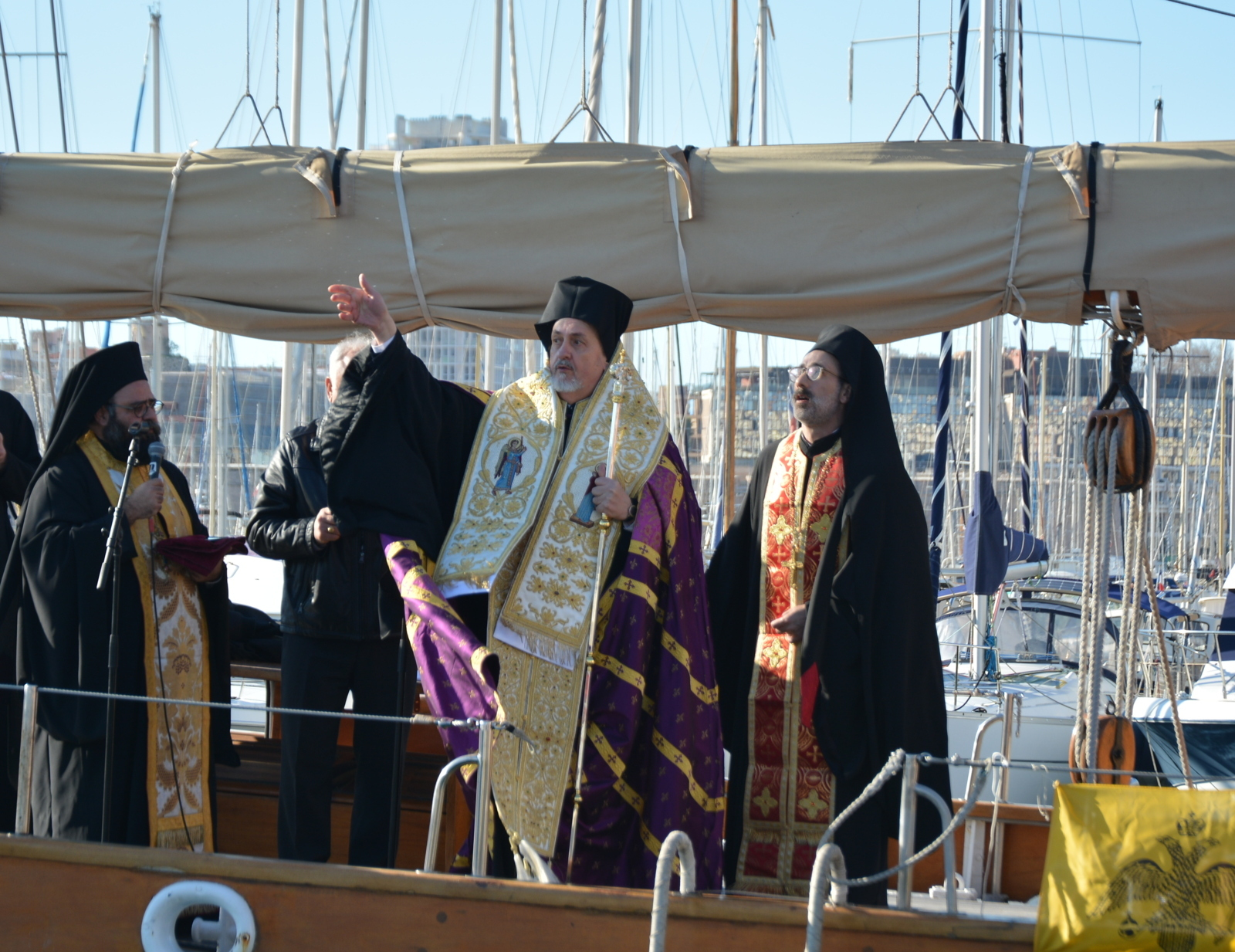 DSC 0913 - Η κατάδυση του Τιμίου Σταυρού στη Μασσαλία (φωτο)