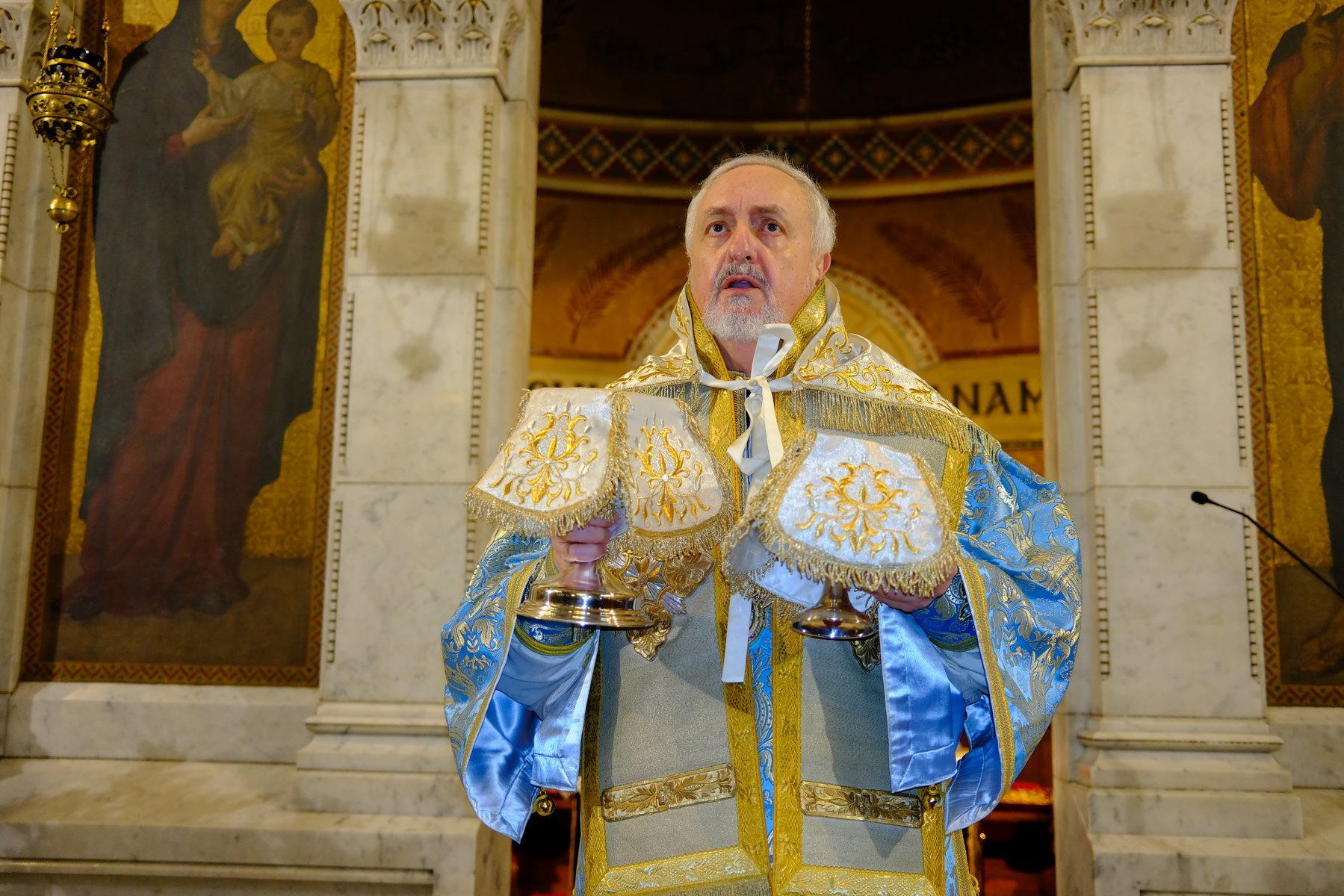 9  - Ο Ευαγγελισμός της Θεοτόκου στο Παρίσι (φωτο)