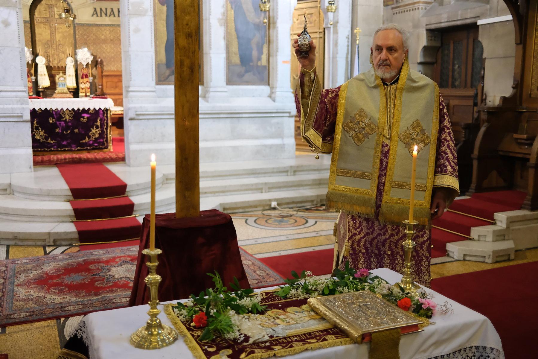DSCF6726  - Μεγάλη Παρασκευή στον Άγιο Στέφανο Παρισίων (φωτο)