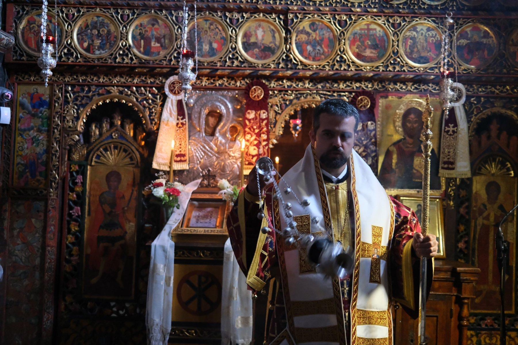 DSCF7838  - Ο Επίσκοπος Μελιτηνής στην Ι. Μονή Παναγίας Πελεκητής