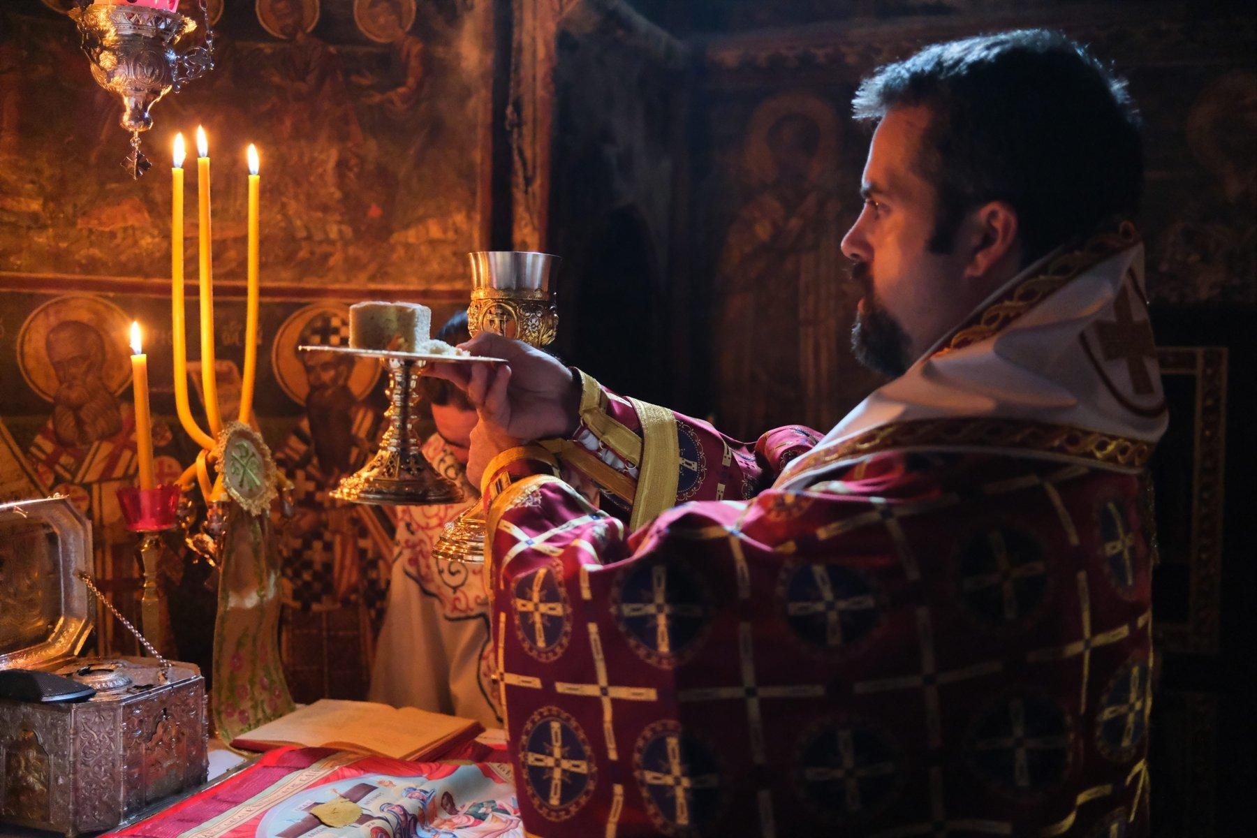 DSCF7883  - Ο Επίσκοπος Μελιτηνής στην Ι. Μονή Παναγίας Πελεκητής